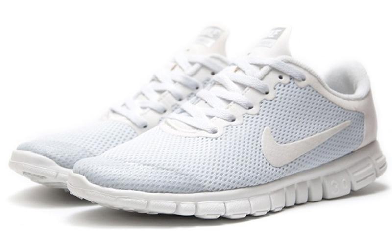 Мягкие белые  кроссовки