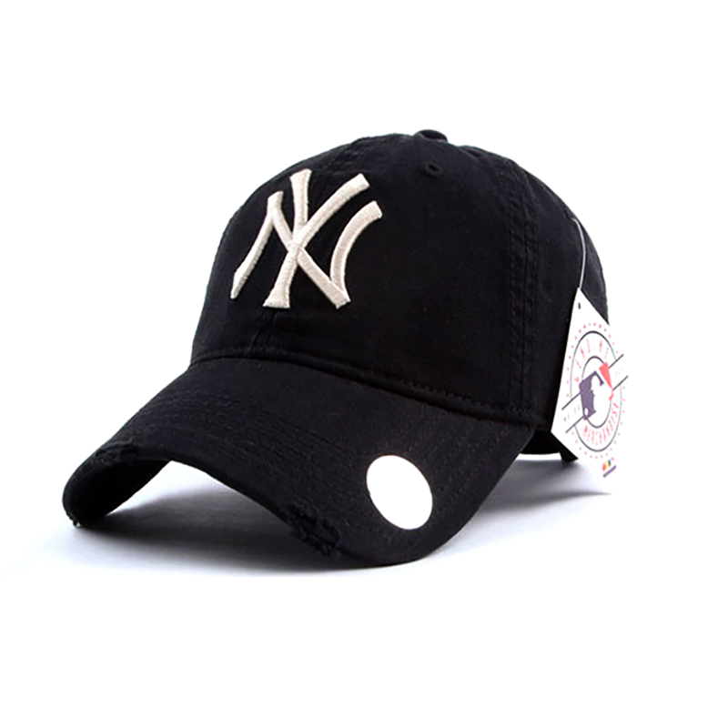 Предзаказ! Товар будет в наличии 29.03.2021. Кепка - бейсболка New York (Нью-Йорк) черного цвета.